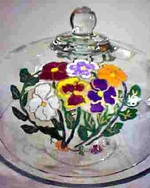Cake Plate With Dome In Pansy Design